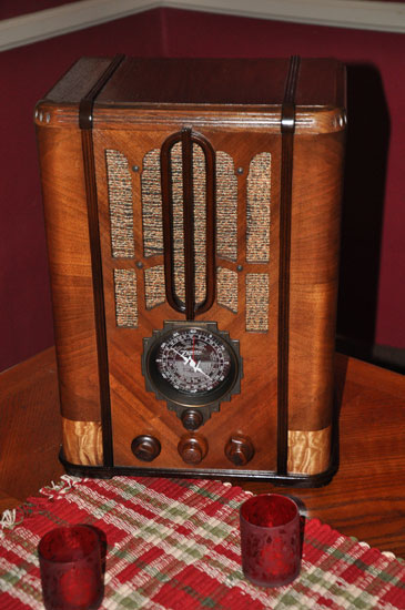 Zenith 5S-29 tombstone radio by Lady by Choice