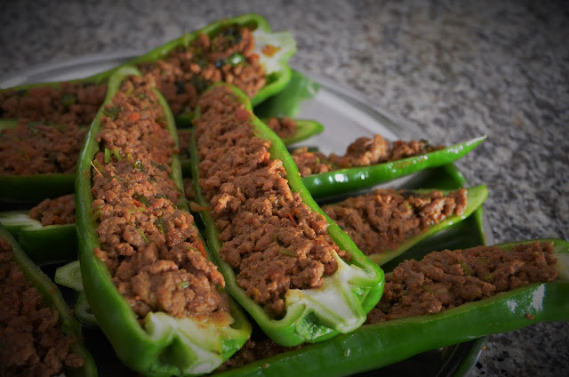 Stuffed peppers with beef mince