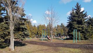 Посёлок Удачное. Сквер и детская площадка