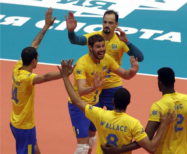 Brasil celebrando ponto no Campeonato Mundial de 2018