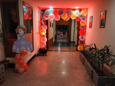 balloon decor at home  for surprise party , balloon decoration at home for welcome party
