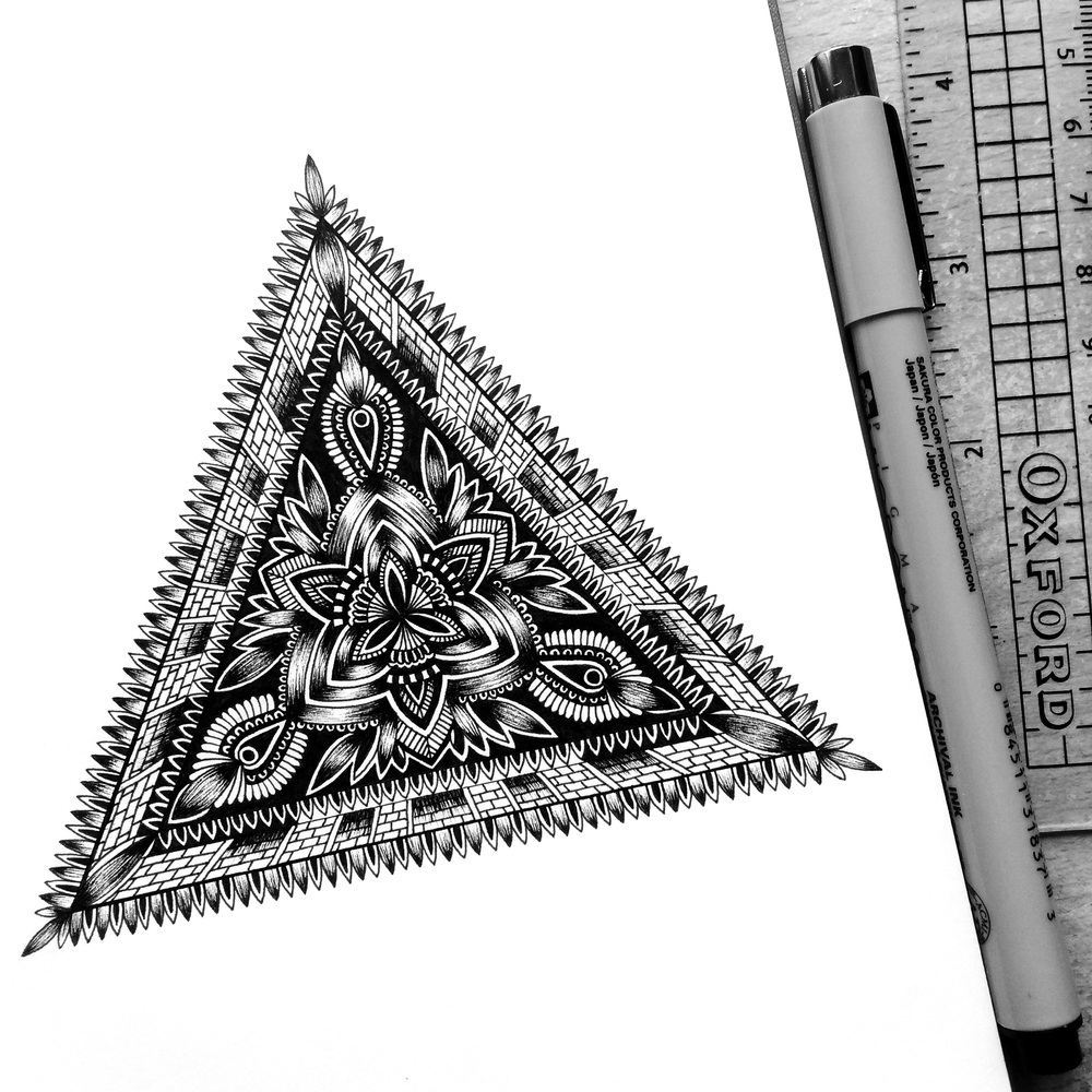 05-Kaleidoscope-Pavneet-SembhiSelf-taught-Artist-Creates-Intricate-and-Detailed-Drawings-www-designstack-co
