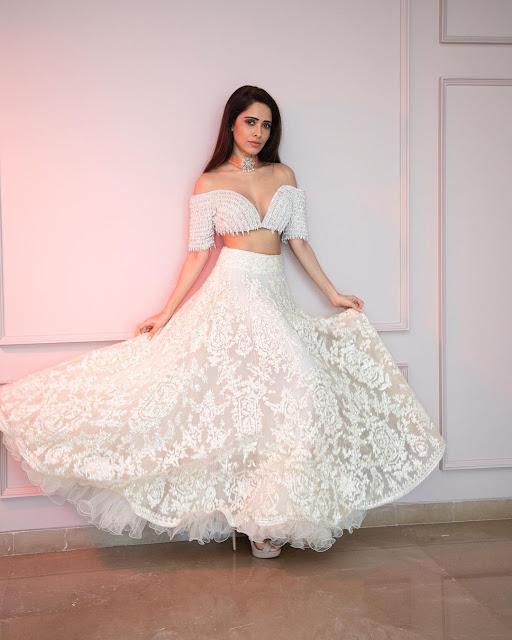 Nushrat Bharucha Hot photos, dp for girls, heroines photos,