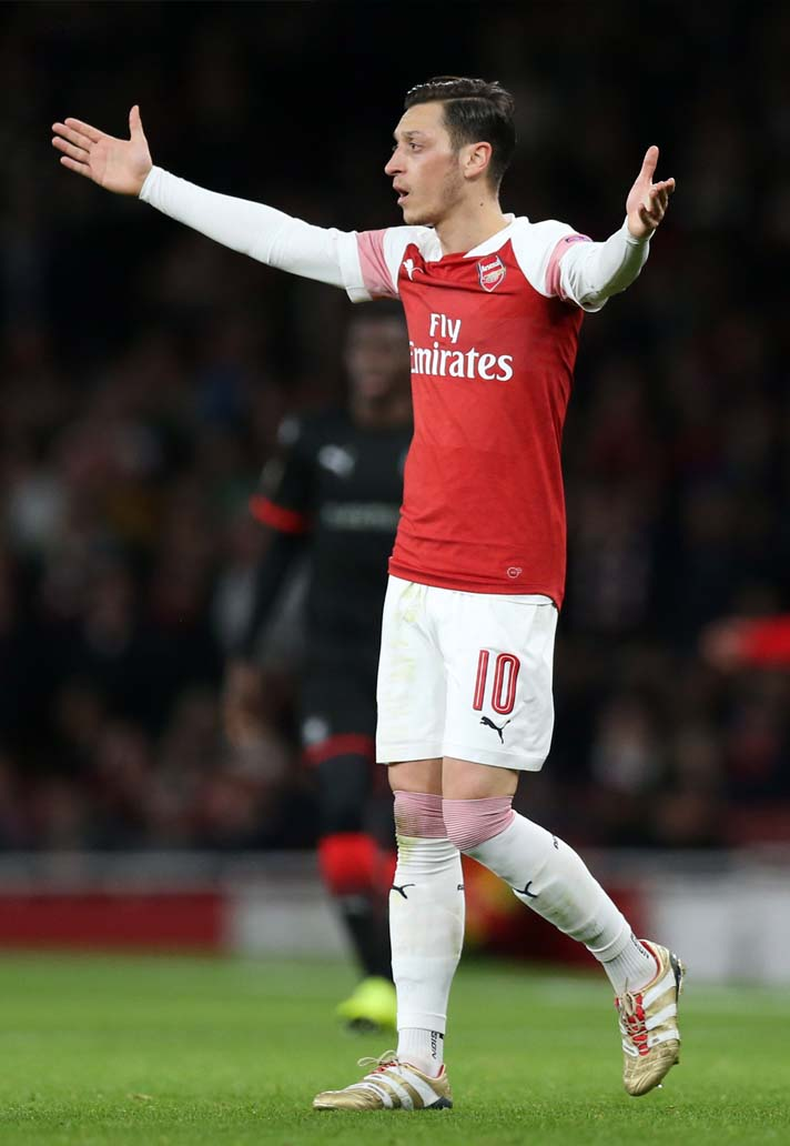 732ca49794dd ... cleats worn by Özil are different to the boots Adidas released. Mesut  Özil, who is usually lacing up in laceless boots, cut off the red tongue of  the ...