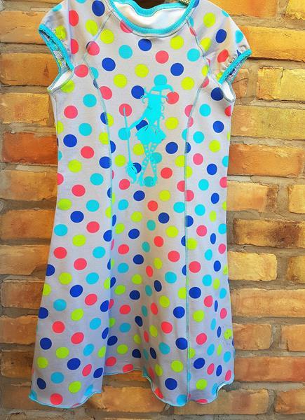 Roxy von farbenmix mit Pünktchen als Sommerkleid mit Punkten und Hexenplott