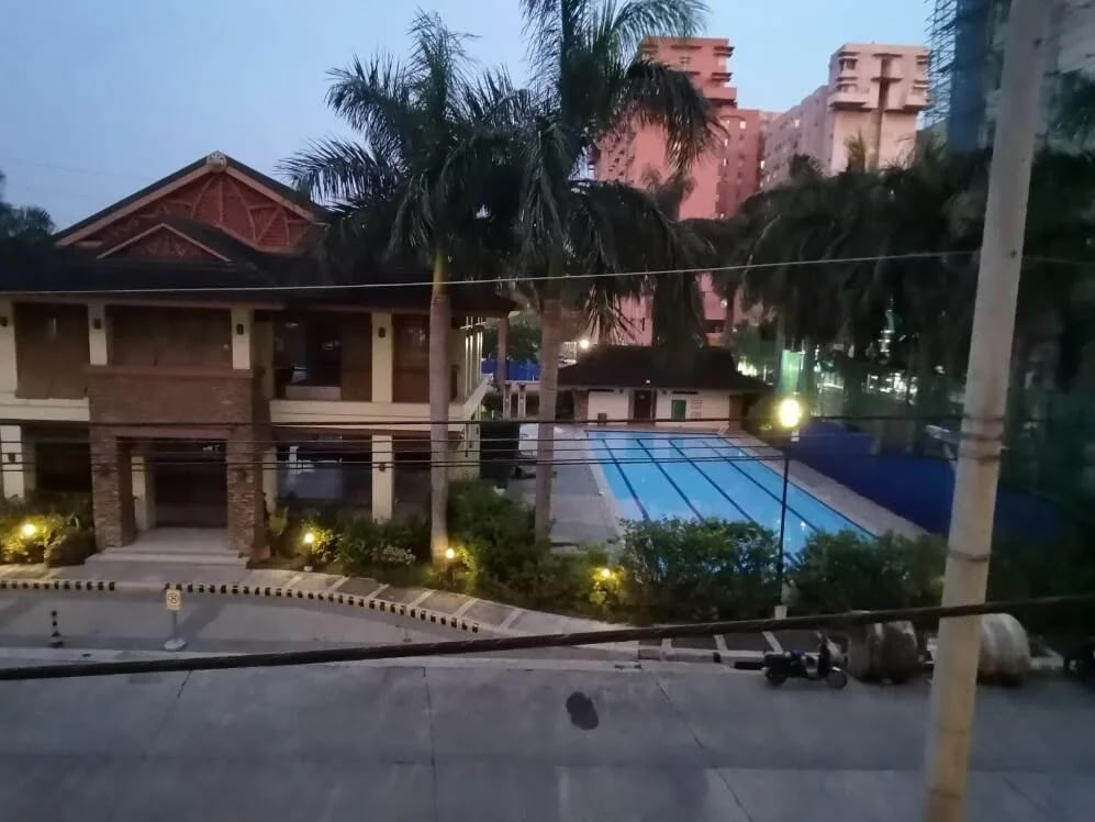 Huawei MatePad Camera Sample - Night, Pool, Normal