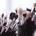 3 Tips Bersihkan Kuas Makeup Agar Terhindar Kotoran dan Jamur