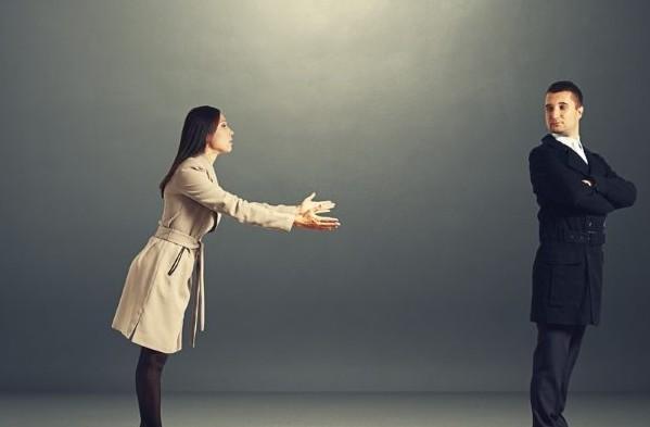 Απολογείστε συνεχώς και για τα πάντα; 5 τρόποι να μην «μοιράζετε» περιττές συγγνώμες