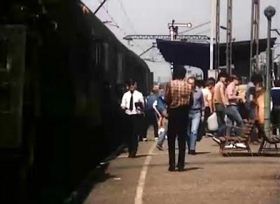 Jako kierownik pociągu Stefan Krawczyk