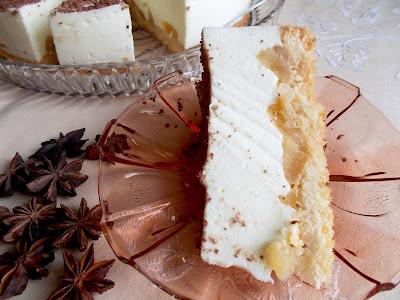 ciasto piankowe z gruszkami - przepis - Smaki prowincji