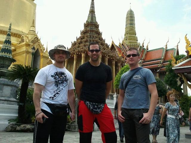 El tridente entre templos