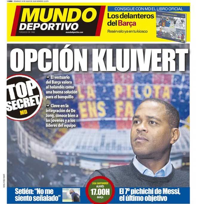 HLV Setien sắp mất ghế ở Barca, dàn SAO tiến cử Kluivert nắm quyền 2