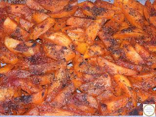 Cartofi la cuptor cu sos de rosii reteta,