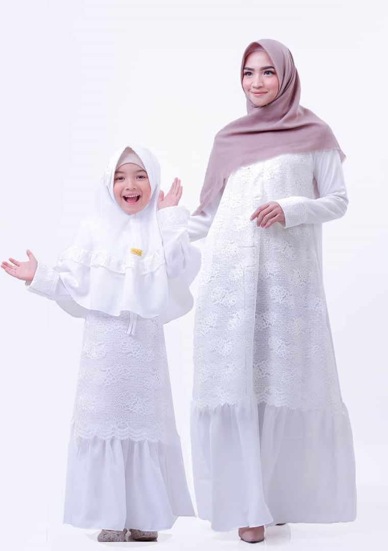 Model Gamis Warna Putih Terbaik 2021 Desain Mewah Dan ...