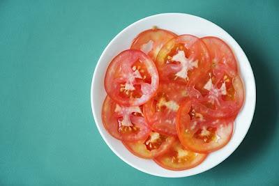 Tomato: Remove dark circles in 7 days