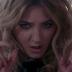 """Julia Michaels está com alguns problemas em seu relacionamento no clipe do smash hit """"Issues"""""""