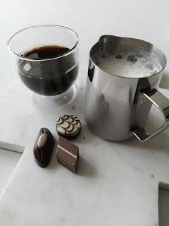 annelies design, webbutik, webbutiker, webshop, nätbutik, inredning, dekoration, nätbutiker, kaffe, kaffetillbehör, tillbehör, till kaffe, mjölk, mjölkkanna, mjölkskumning, marmor, skärbräda, skärbrädor, mugg, muggar,
