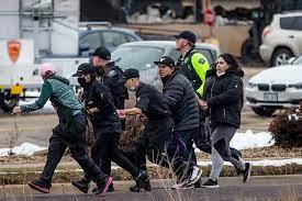 Colorado- une fusillade dans un supermarché fait dix morts dont un policier