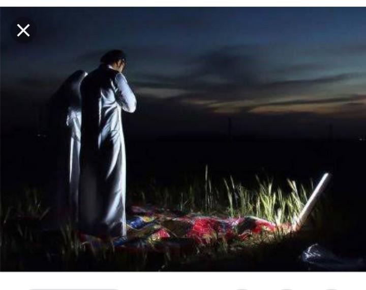 Setan Pembawa Lentera Pengantar Shalat Subuh