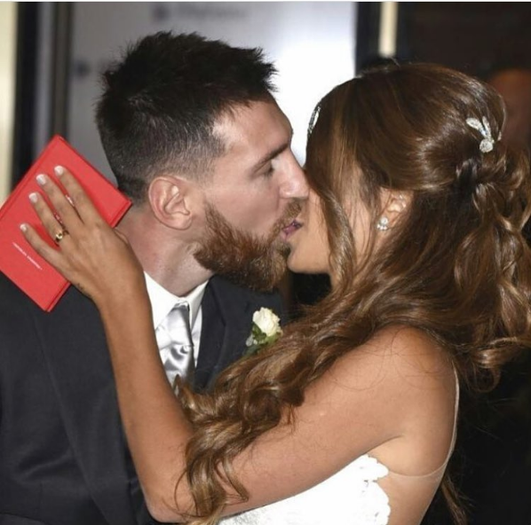 Lionel messi wedding to Antonella Rocuzzo
