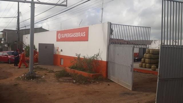 Guarabira: marginais arrombam depósito de gás de cozinha e levam caminhão carregado de botijões