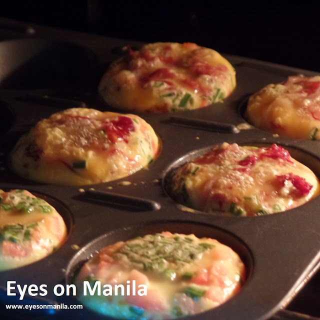 Omelette muffins in the oven