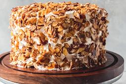 Burnt Almond Cake #desserts #cakerecipe #chocolate #fingerfood #easy