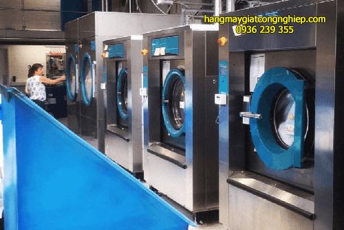 Mua máy giặt công nghiệp ở Đăk Nông 25kg cho tiệm giặt là