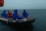 Dit Polairud Polda Jabar Evakuasi Penemuan Mayat Tanpa Identitas Di Perairan Cirebon