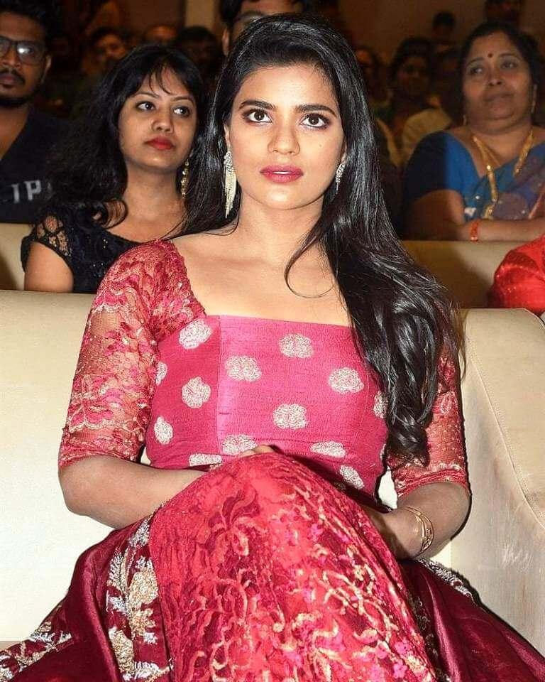 Actress Aishwarya Rajesh Latest Photos & Stills