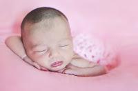 Bebé recién nacido. Fotografía realizada en el estudio Positive de Roldán por Leticia Martiñena. New Born