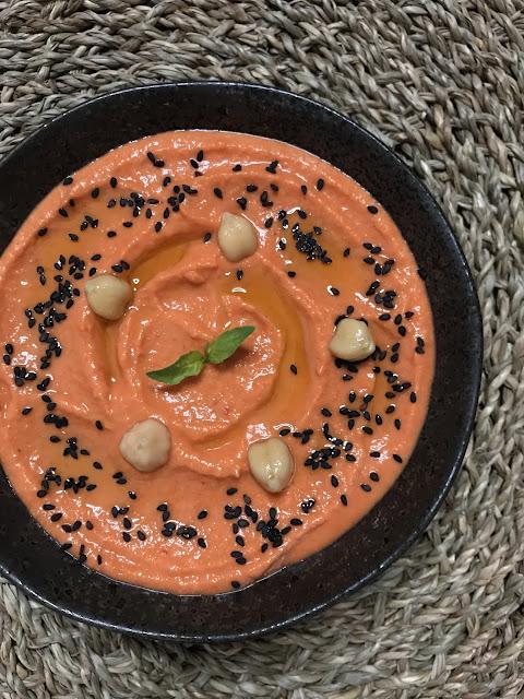 HUMMUS DE PIMIENTO ROJO ASADO ¡Un aperitivo sano y delicioso en 3 minutos!