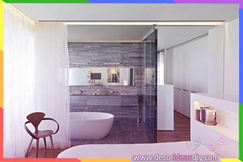 حمام زجاجي مع ستائر قابل للانزلاق لتوفير خصوصية أكبر