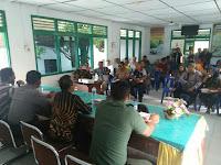 Babinsa  Koramil 15/Bandar Pulau Hadiri rapat Di kantor Kecamatan