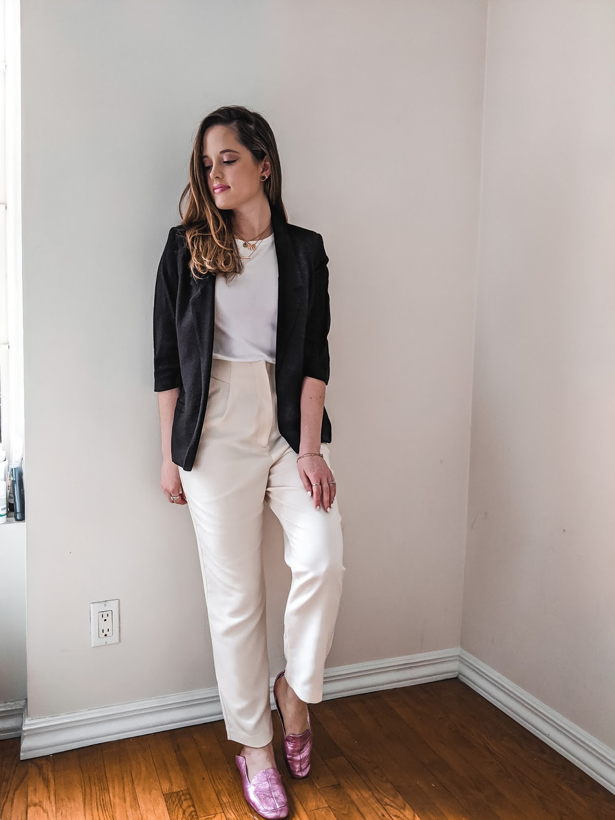 Nyc fashion blogger Kathleen Harper's indoor photo shoot.