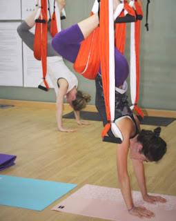 yoga aérien, pilates aérien, fitness aérien, remise en fomre, air, fly, fly yoga, flying yoga, aeroyoga, formation yoga aérien, formation aero yoga, stage yoga aérien, cours yoga aérien