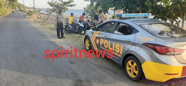 Antisipasi Balap Liar, Personil Polsek Marbo Intensifkan Pengawasan Di Tanggul Topejawa