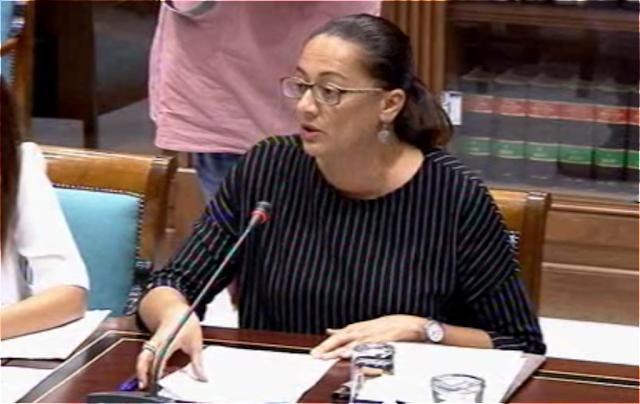 Nereida Calero pide al Gobierno de Canarias  que mejore el estado actual de las comunicaciones en la costa oeste de Fuerteventura