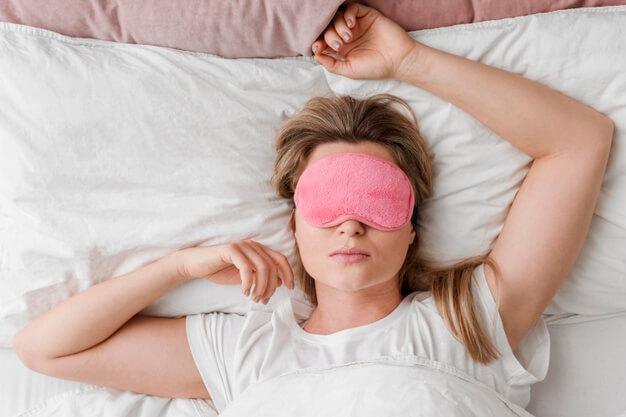 10-daftar-makanan-dan-minuman-yang-bisa-membuat-tidur-nyenyak