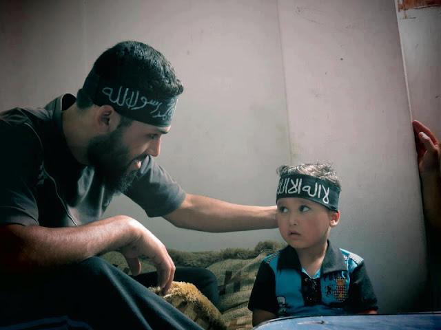 5 Dampak yang Berimbas Pada Anak Jika Orang Tua Banyak Amal Salih