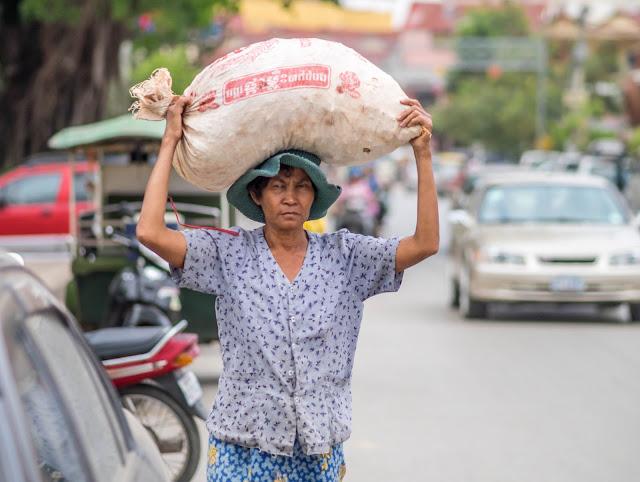 Femmes de Siem Reap. Photographie par Richard Ella (CC)