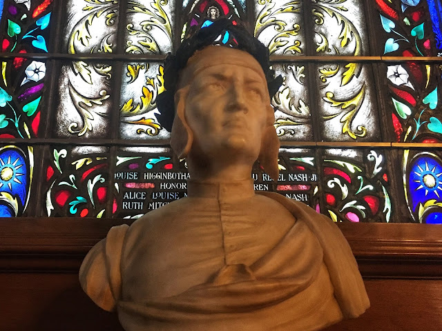 a bust of Dante Alighieri at the Armstrong Browning Library
