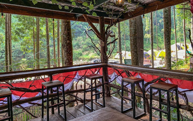 Lokasi dan Harga Menu The Woodens Cafe & Resto Cisarua Bogor