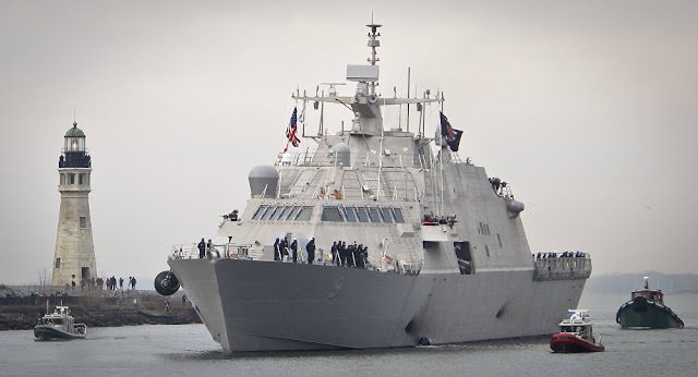Navio dos EUA navega pelo estreito de Taiwan apesar das tensões com a China