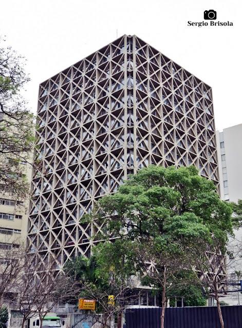 Vista ampla do Edifício Acal - Cidade Jardim - São Paulo