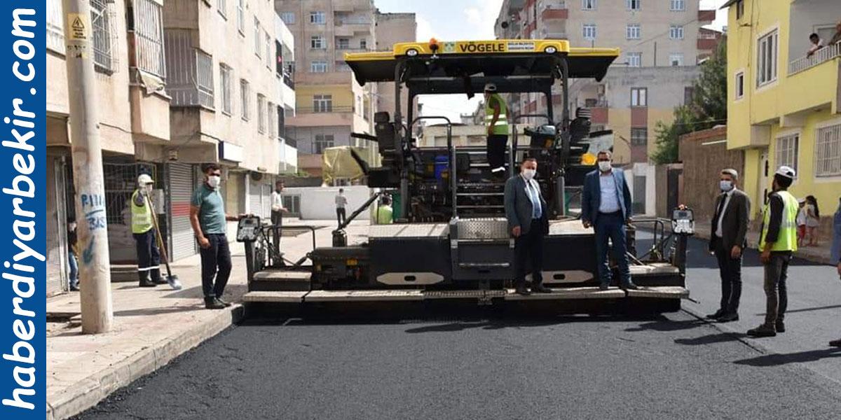 Diyarbakır Bağlar Belediyesi yol asfaltlama çalışmalarına devam ediyor