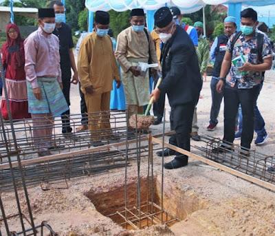 Pjs Wako Batam,  Hadiri Peletakkan Batu Pertama TPQ di Pulau Nipah