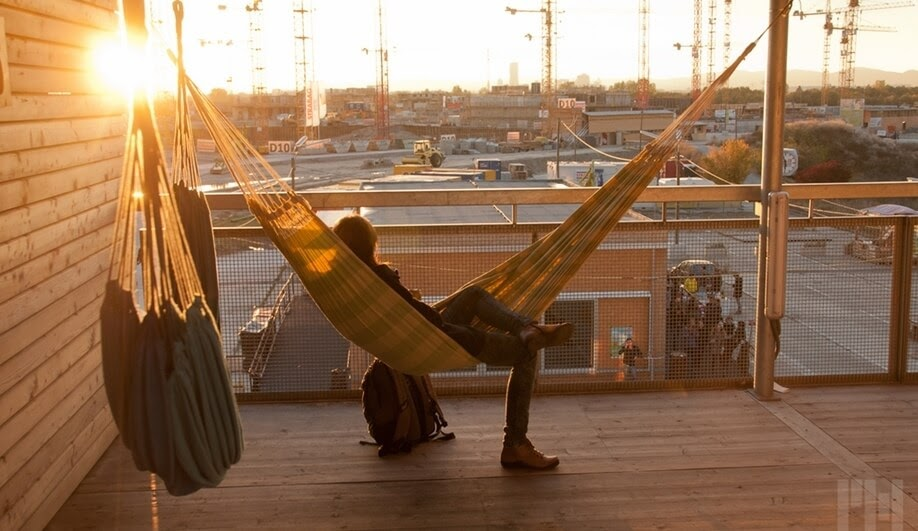 04-Heri&Salli-Architecture-and-the-House-of-Hammocks-www-designstack-co