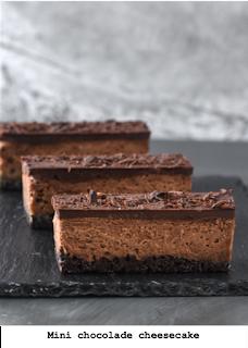 Vier laagjes chocolade: koek, cheesecake, ganache en snippers