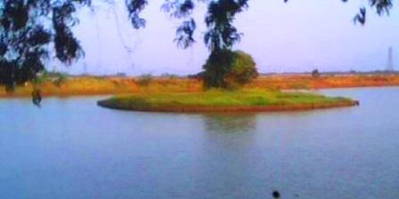 Danau Cibeureum Wisata Alam di Bekasi